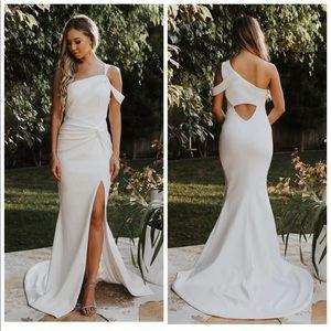 NOEL&JEAN Regal One Shoulder Trumpet Wedding Dress